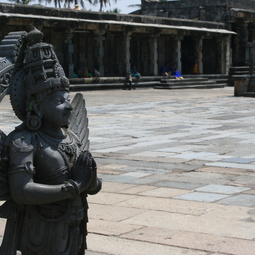 temple statue beur karnataka india travel