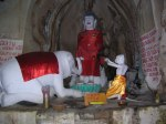 statues gua charas cave malaysia