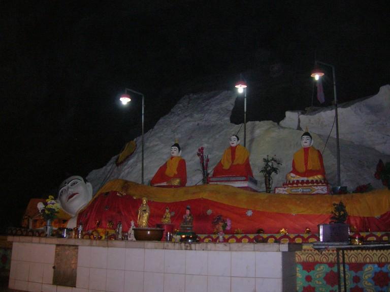 sleeping buddha gua charas cave malaysia