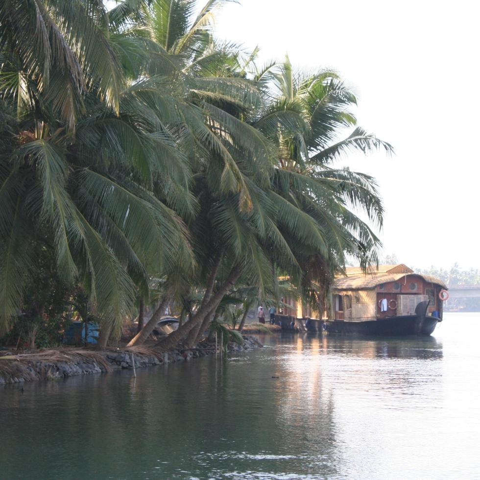 houseboat kerala backwaters boat travel india