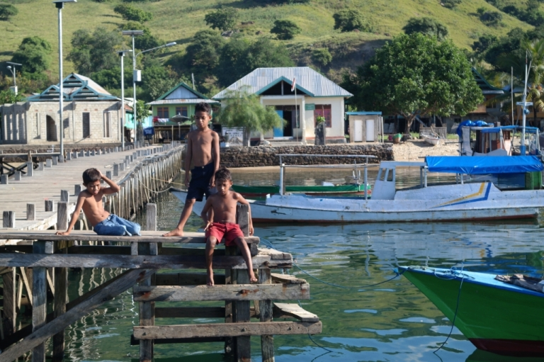 komodo village dock