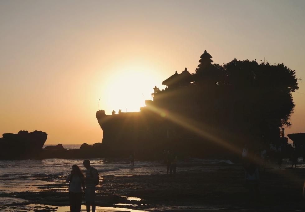 tanah lot temple bali indonesia travel