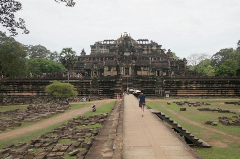 angkor wat temple siem reap travel cambodia