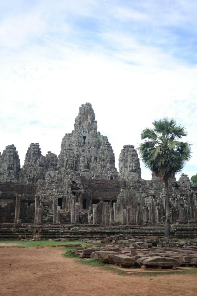 angkor wat thom siem reap cambodia travel