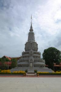 palace phnom penh cambodia travel