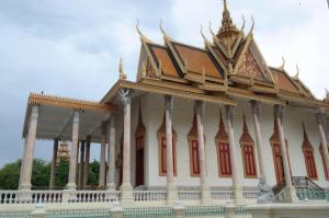 palace phnom penh cambodia travel